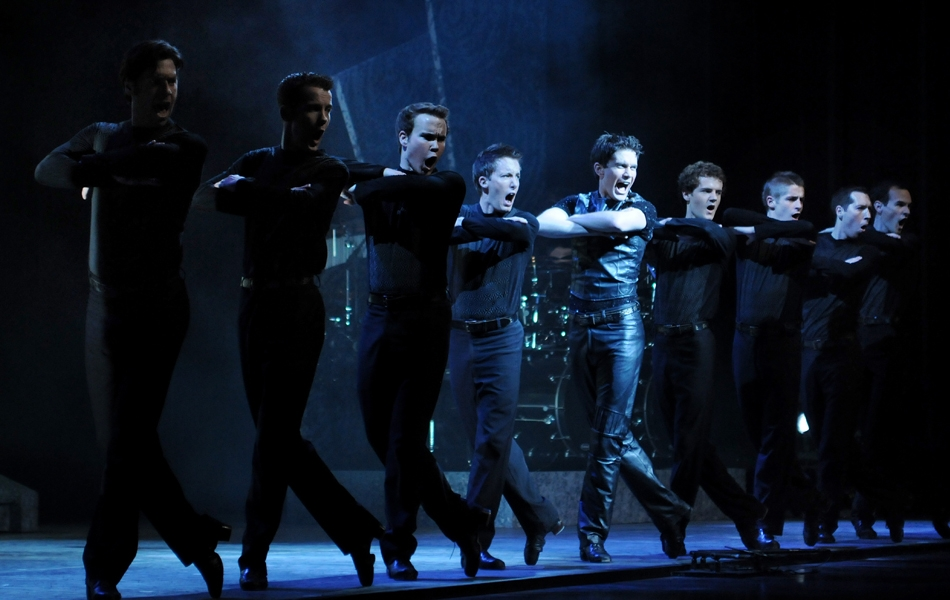 https://pearlsnapdiscount.files.wordpress.com/2012/01/riverdance-guys-line.jpg